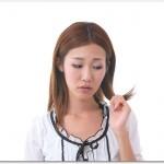 抜け毛に悩む女性の対策とは?ホルモン分泌がカギとなるので睡眠時間や睡眠の質、食事に大豆イソフラボンを取り入れると良い