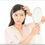 薄毛と女性ホルモンの関係とは?女性ホルモンのエストロゲンの減少により薄毛になってしまう?