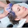 髪が薄いと美容院に行きづらい女性は多い?改善のためには行った方が良いの?