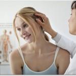 髪が抜ける女性の病気とは?甲状腺の異常や鬱から抜け毛の症状が現れる?