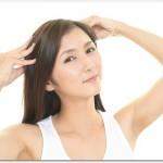 髪が抜ける女性はストレスが原因?頭皮をマッサージすると良い?